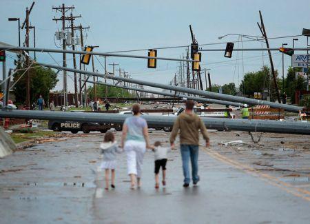 2013 Tornado Wreck -2
