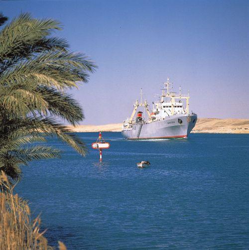 Suez canal -10