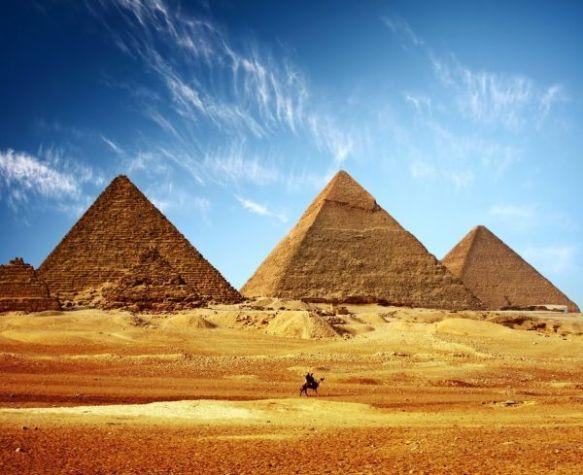Pyramid 10
